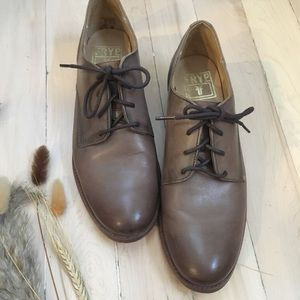 ✨FRYE Taupe Oxfords✨ Nearly New | fits 8.5